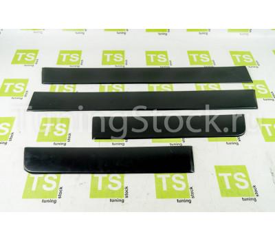 Молдинги черная шагрень на двери ВАЗ 2109, 21099, 2114, 2115