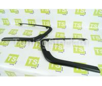 Комплект вставок (молдингов) в передний бампер черных матовых на Веста