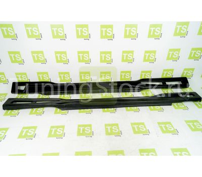 Пороги неокрашенные с сеткой на ВАЗ 2108