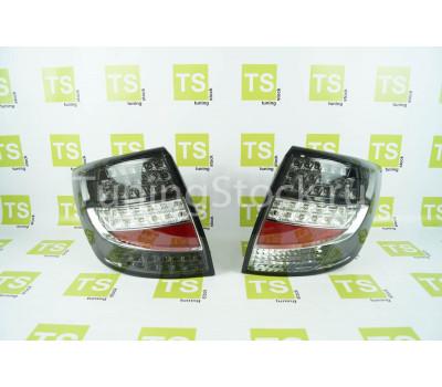 Задние светодиодные серо-белые фонари на Гранта седан