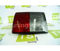 Задний правый фонарь на крышку багажника ВАЗ 2111